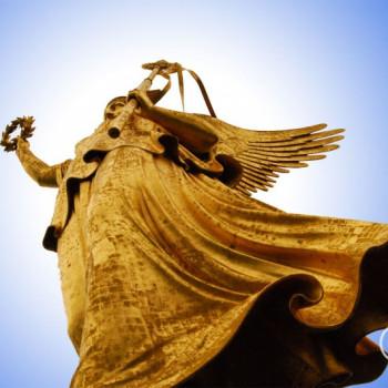 Goldelse auf der Siegessäule in Berlin