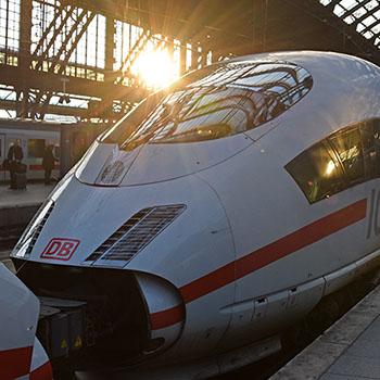 ICE am Hauptbahnhof Köln