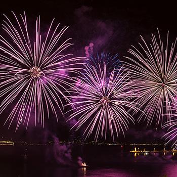 Video Cannes an Silvester mit Feuerwerk