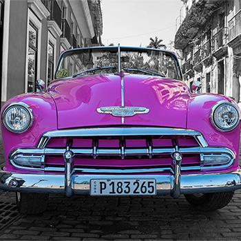 Pink Oldtimer in Havanna Kuba