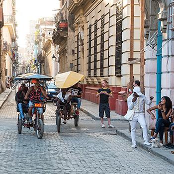Menschen in Havanna Kuba