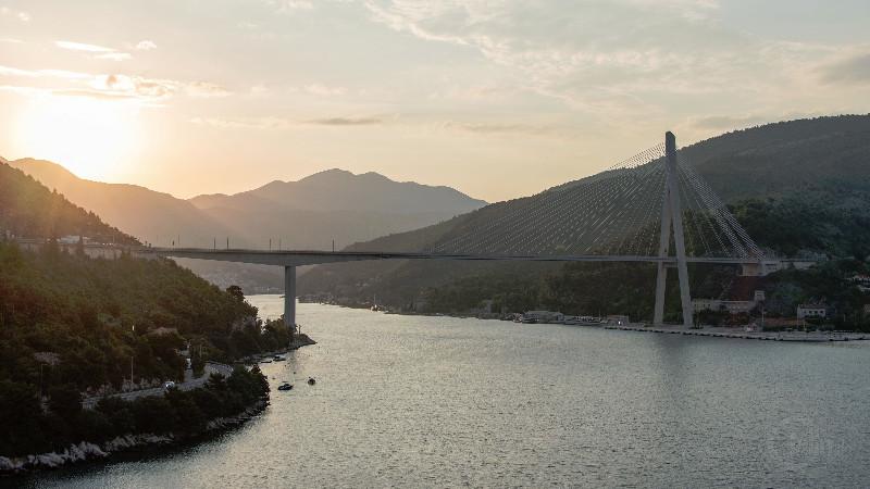 Brücke am Hafen von Dubrovnik