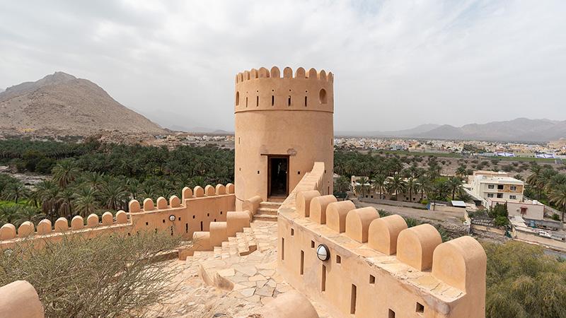 Tower des Fort Nakhal im Oman