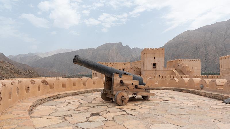 Kanone des Fort Nakhal im Oman