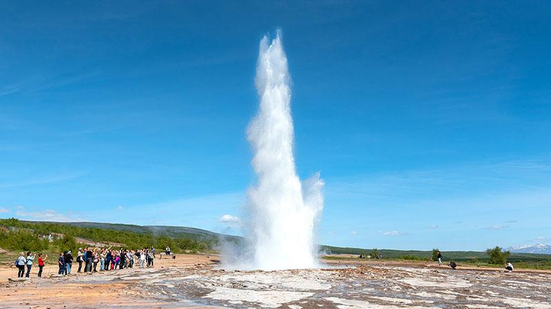 Geysir Strokkur bei einer Eruption