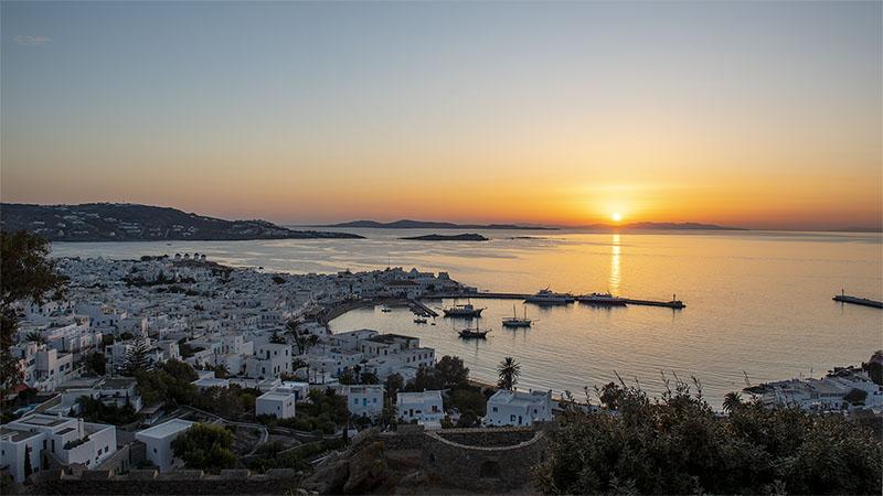 Sunset am Hafen von Mykonos