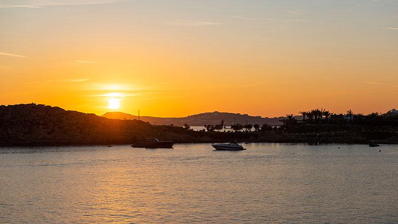 Sonnenuntergang am Paraga Beach