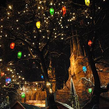 Weihnachtsmarkt auf dem Domplatz in Erfurt