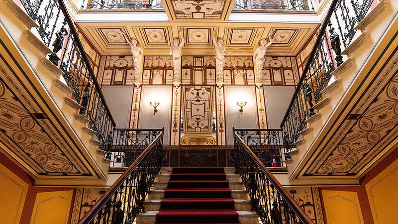 Treppenhaus im Sissi Palast