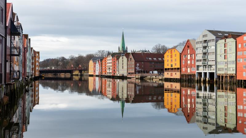Wasserkanal in der Altstadt von Trondheim