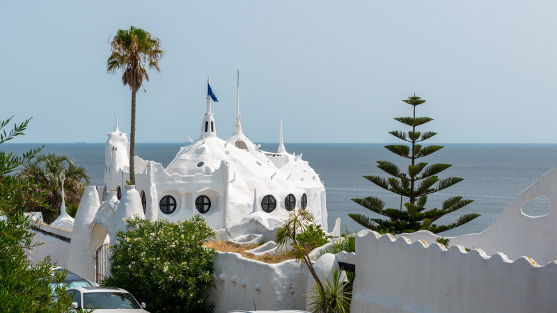 Casapueblo mit Blick auf das Meer