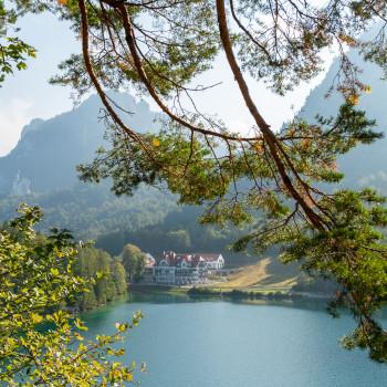 Alpsee mit Museum der bayerischen Könige