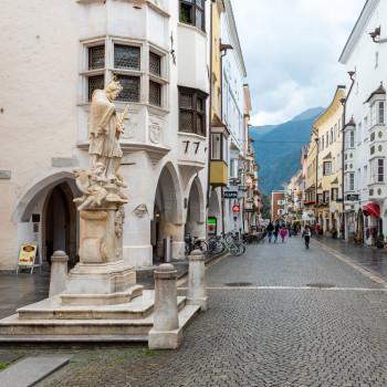 Fußgängerzone in der Altstadt von Sterzing
