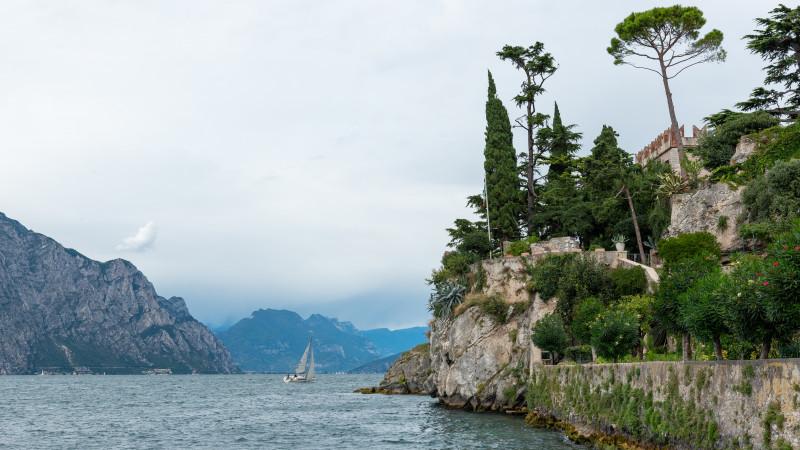 Gardasee mit Castello Scaligero di Malcesine