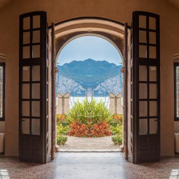 Tür zum Garten im Palazzo dei Capitani