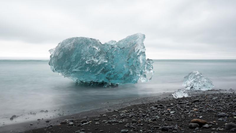 Gletschereis am Strand in Island