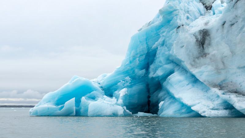 Eisberg auf dem Jökulsarlon Gletschersee