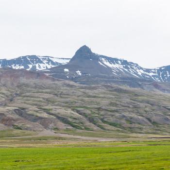 Berglandschaft entlang der 95 in Island