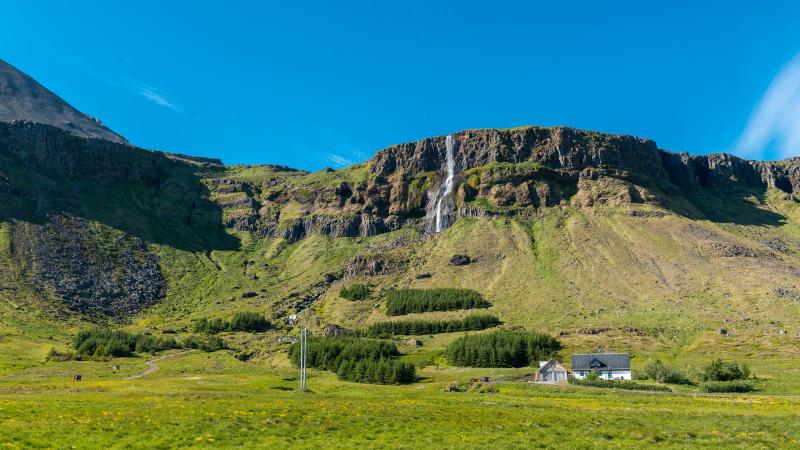 Bjarnarfoss bei Budhir in Island