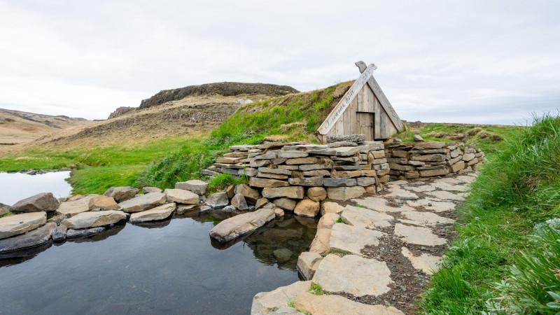 Heiße Quelle Hrunalaug