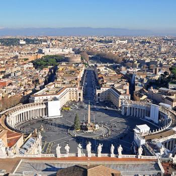 Petersplatz Ansicht vom Dach des Petersdom im Vatikan