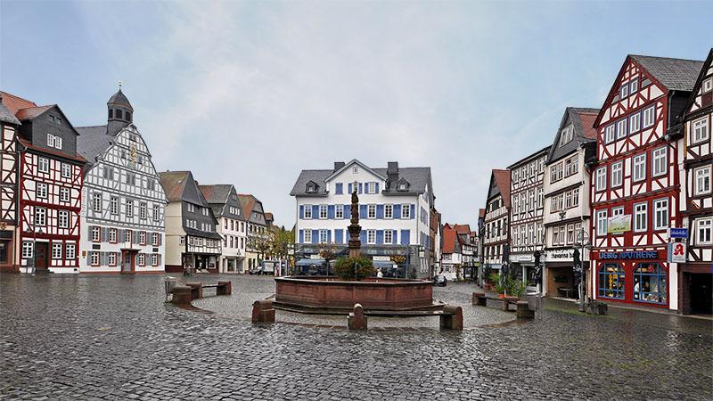 Historische Fachwerkhäuser am Marktplatz in Butzbach