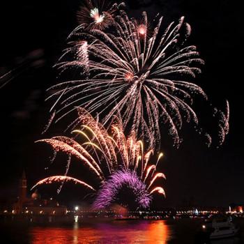Feuerwerk an Silvester in Venedig
