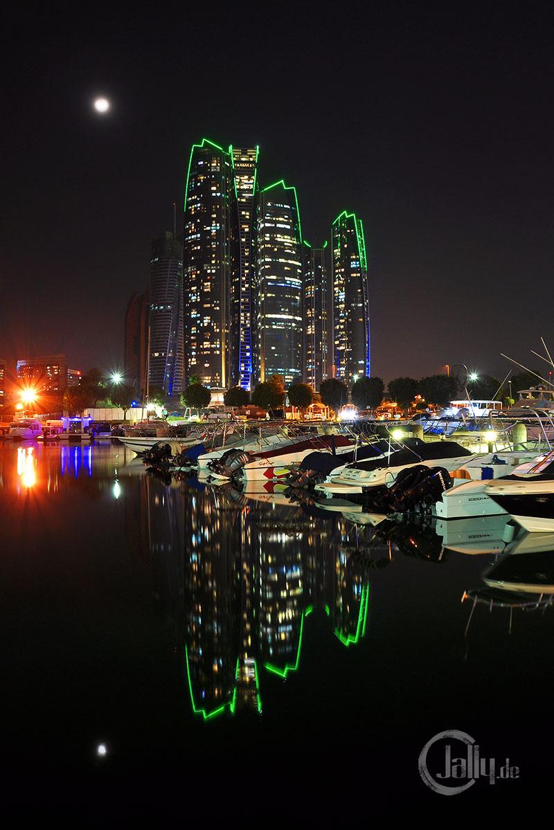 Nachtaufnahme Etihad Towers Abu Dhabi