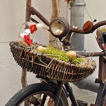 Deko Idee für Ostern mit Nest und Korb