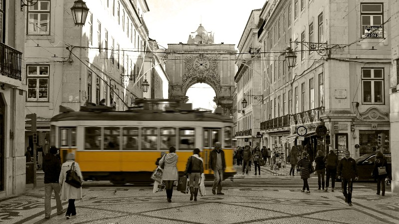 Electrico in Lissabon City Wallpaper