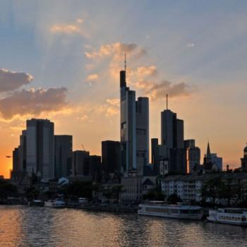 Skyline Frankfurt am Main bei Sonnenuntergang