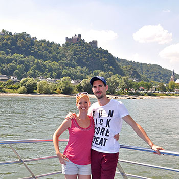 Auf dem Schiff durch das Rheingau