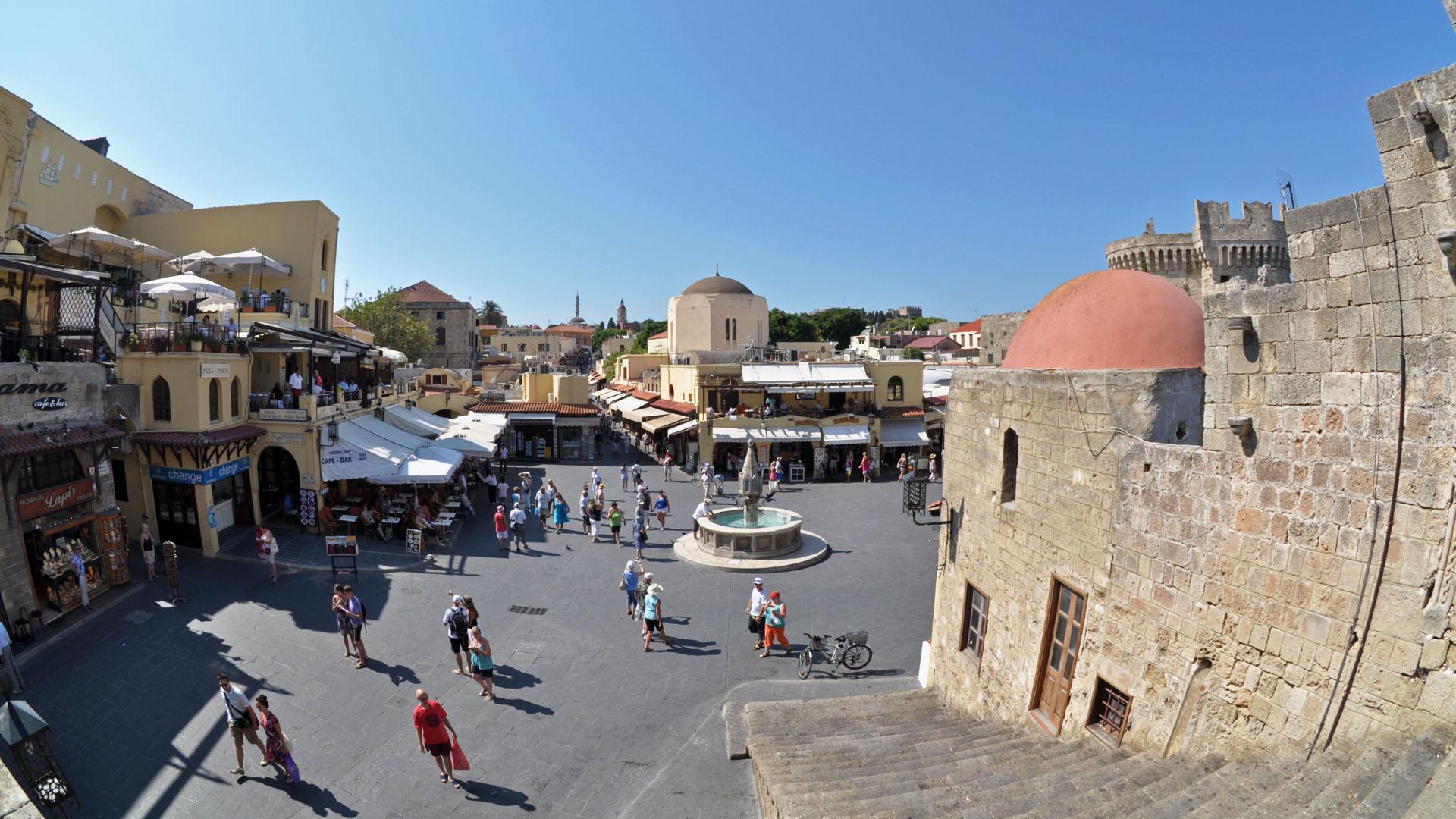 Brunnen in der historischen Altstadt von Rhodos
