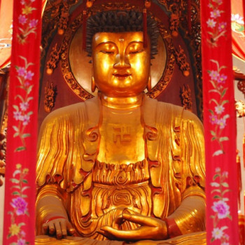 Goldene Buddhastatue in Shanghai