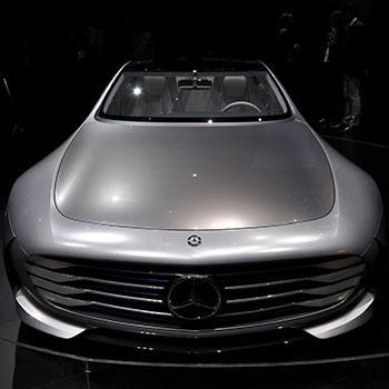 Frontalaufnahme des Mercedes Benz Konzeptauto