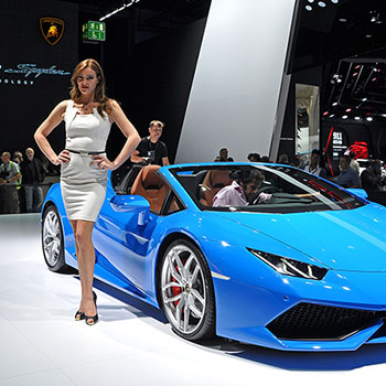 Blauer Lamborghini auf der IAA in Frankfurt