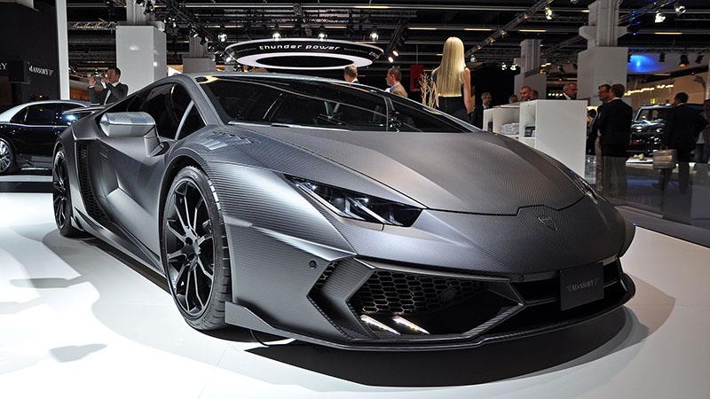 Schwarzer Lamborghini Torofeo Sportwagen