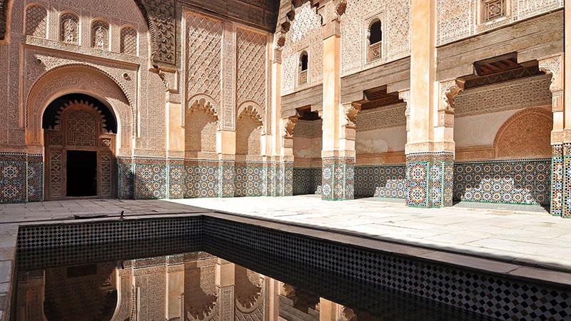 Innenhof der Medersa Ben Youssef in Marrakesch