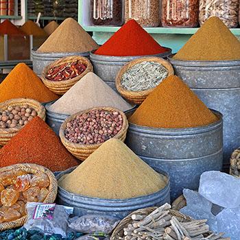 Gewürze im Souq von Marrakesch