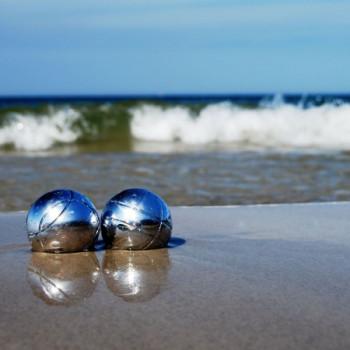 Wallpaper Boule Kugeln am Strand von Rügen